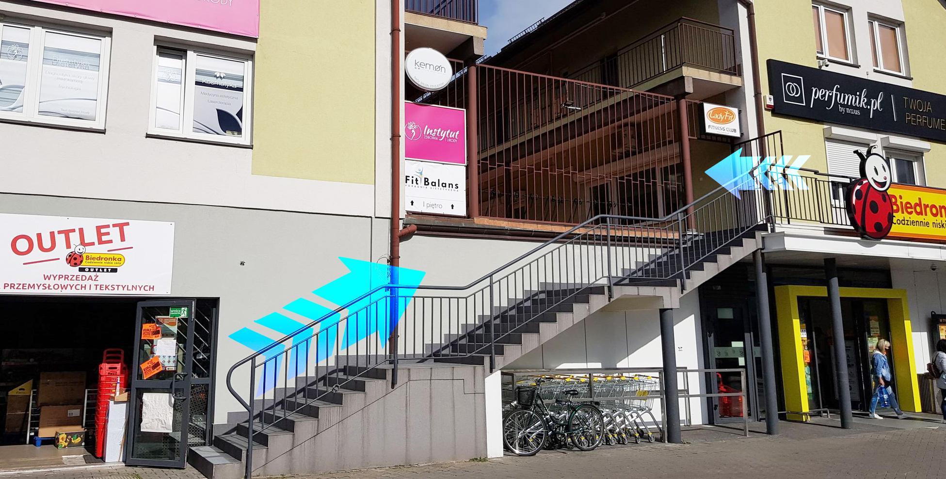 Fit Balans - wejście do budynku.